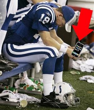 Peyton-Manning-iPhone