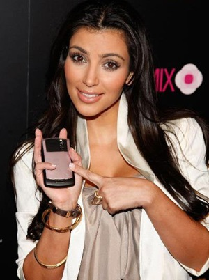 kim-kardashian-blackberry